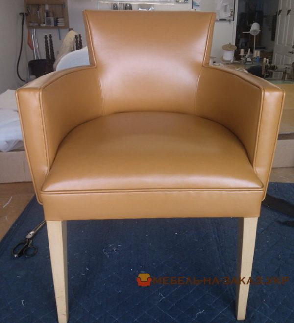 простые мягкие стулья