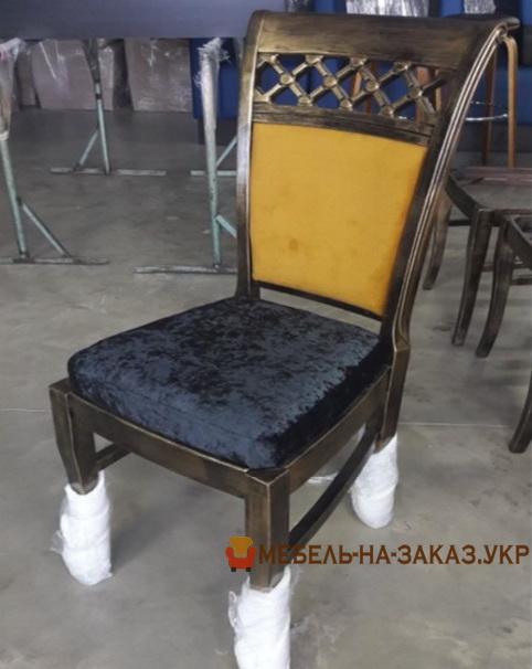 сине желтый стул