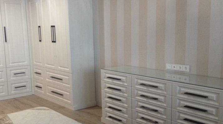 комплект шкафа и комода для спальни
