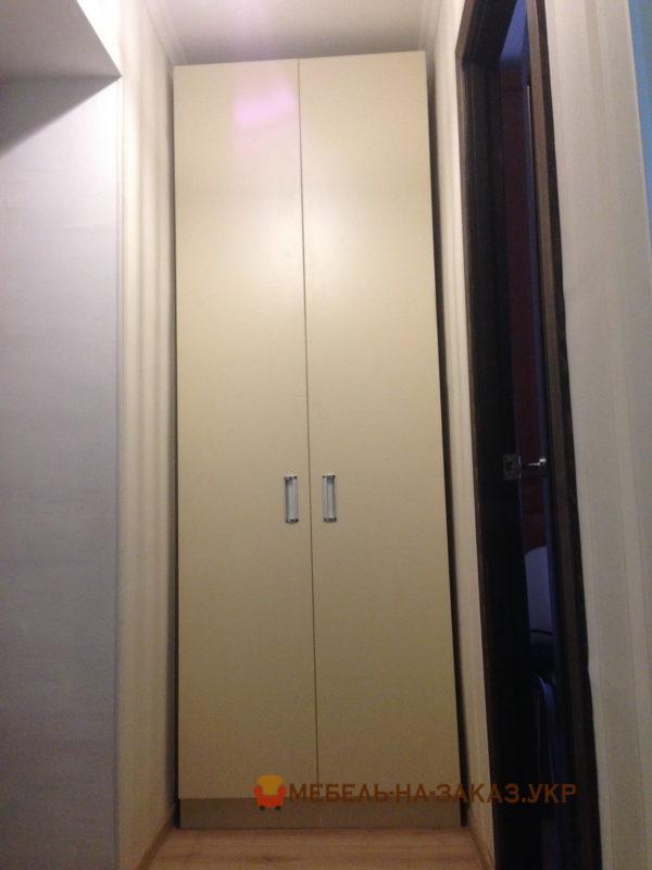 шкаф распашной в гардеробной