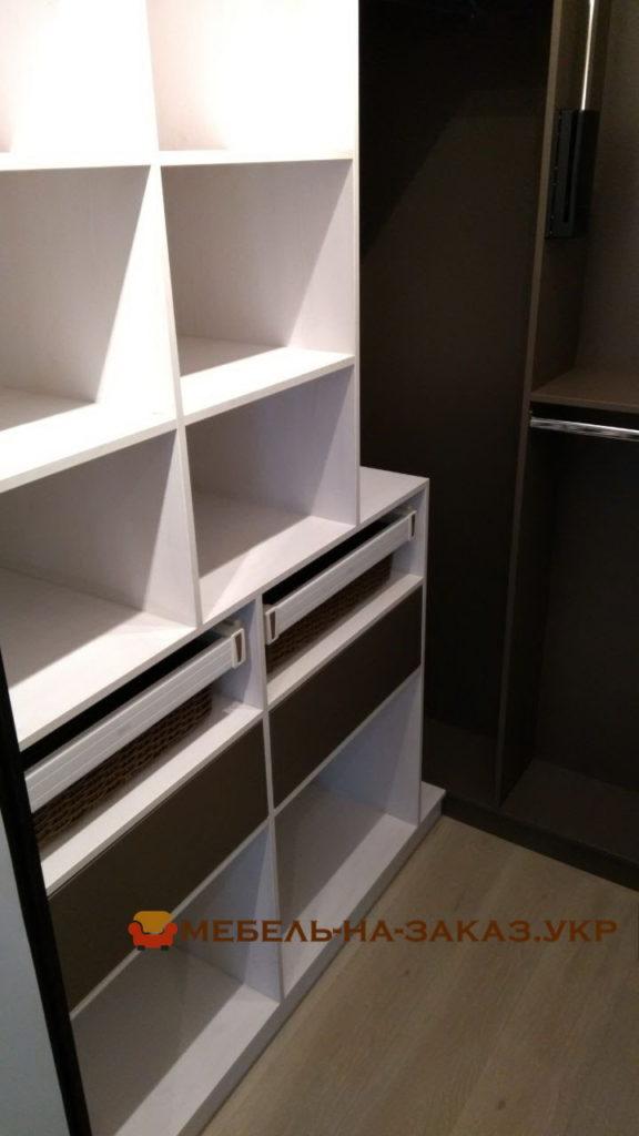 элитная мебель для хранения одежды БУча