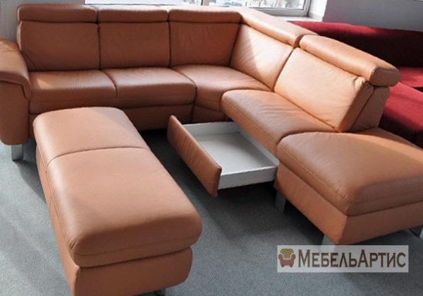рыжий офисный диван