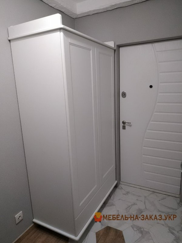 белый шкаф из мдф в коридор