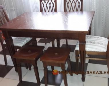 стол деревянный из массива дуба в классическом стиле