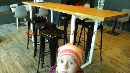 Саша и стол лофт