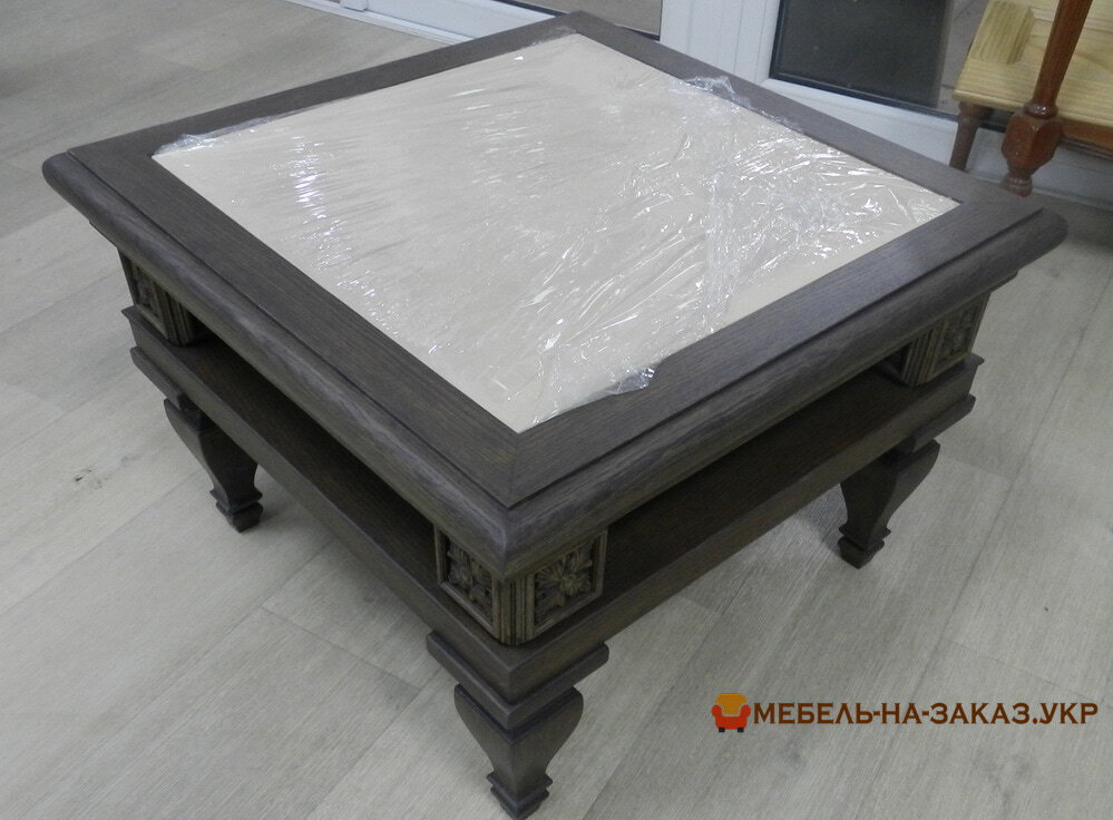 деревянный кофейный столик