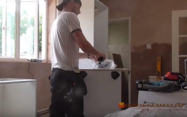 разборка и сборка старой мебели для кухни