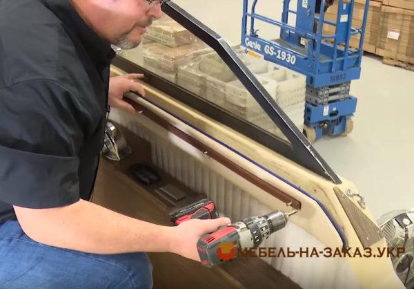 перетяжка мебели яхт на заказ