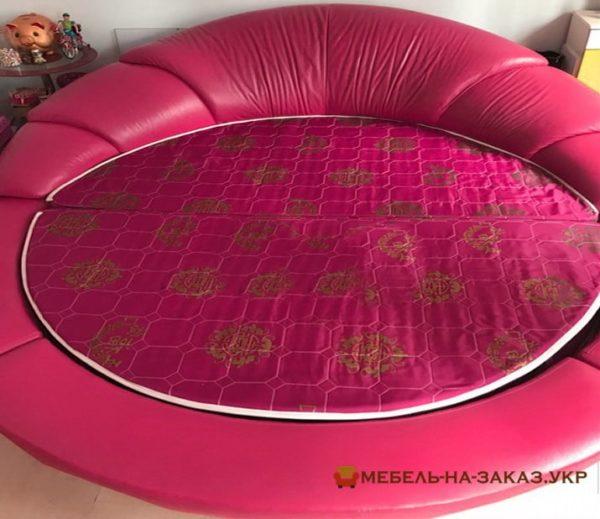 розовая мягкая радиусная кровать на заказ