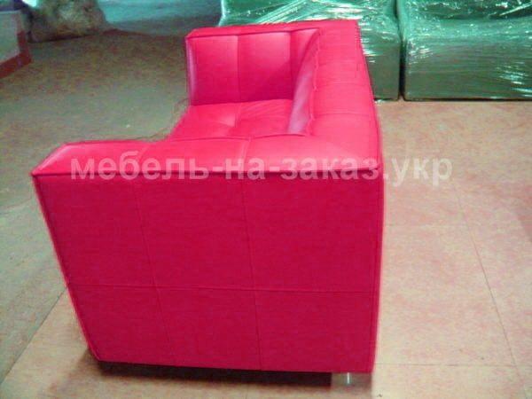 прямой розовый диван на заказ