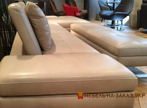 Бежевый диван трансформер с пуфиком на заказ