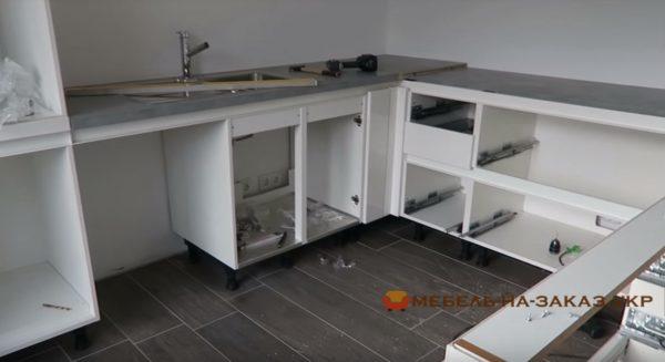 услуги профессиональной сборки кухонной мебели ФАстов