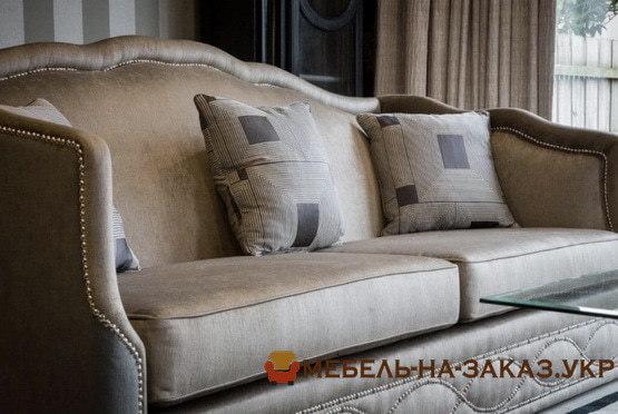брендирование диванов