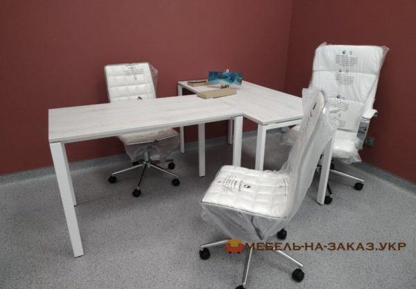 купить офисный столы с металлическими ножками