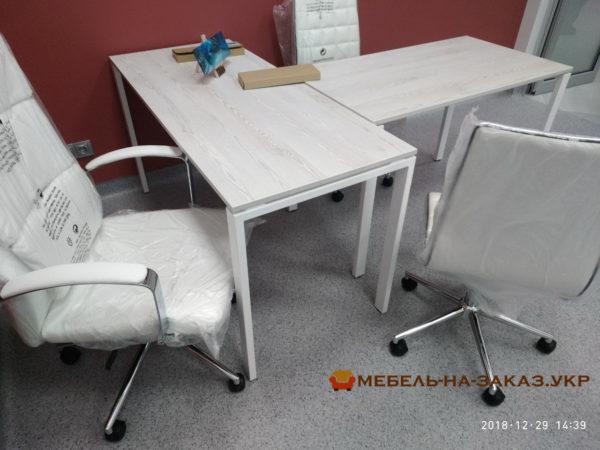 т образный стол на металлокаркасе