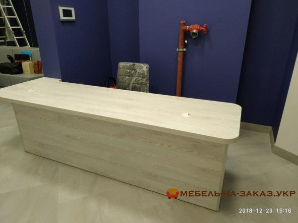 Столы на металлической основе под заказ Киев