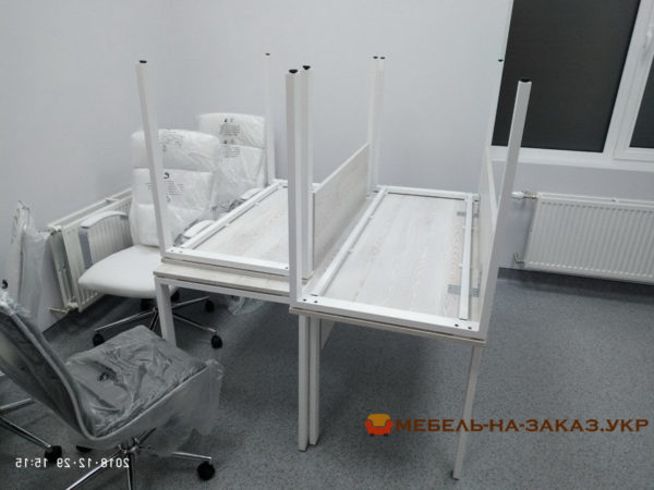 Столы на металлической основе на заказ в Ирпень