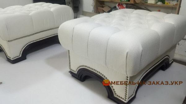пуфики в комплекте мягкой мебели Честер белые