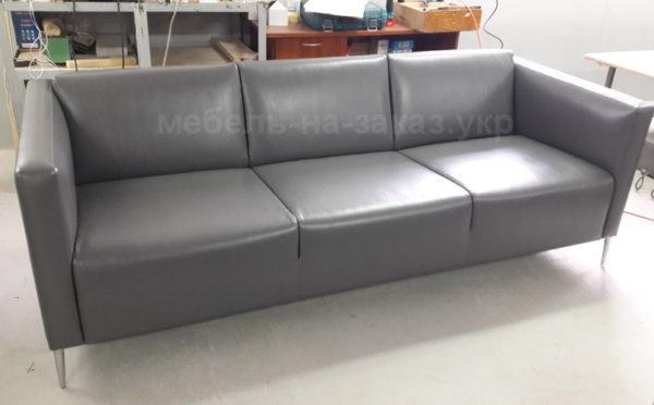 Нестандартный прямой диван м. Позняки