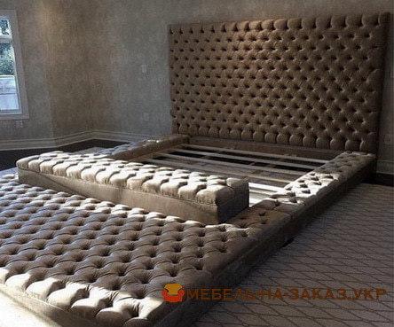 большая мягкая кровать с мягким изголовьем заказать
