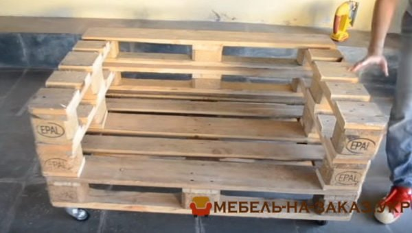 как сделать самостоятельно мебель из деревянных паллет на заказ