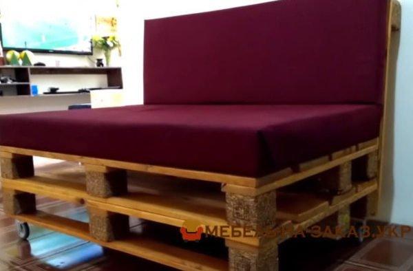 диван из поддона на заказ Буча