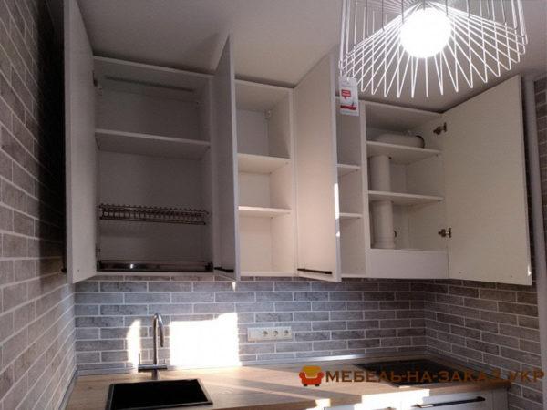 Изготовление недорогой маленькой кухни Вишневое