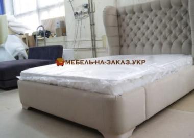 изготовление мягких кроватей с каретной стяжкой