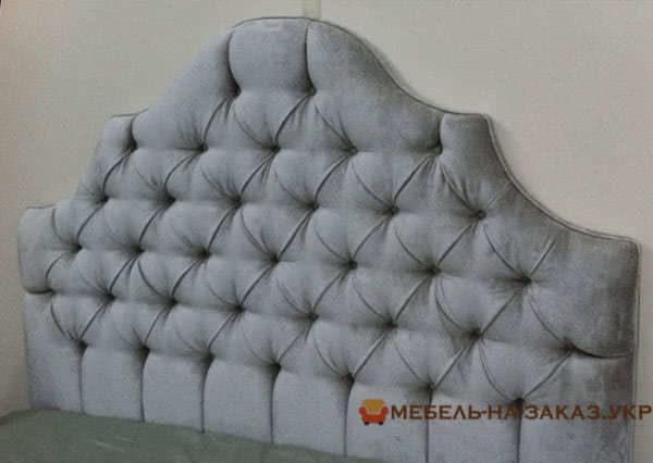 заказная кровать голубого цвета