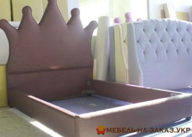 кровать с короной