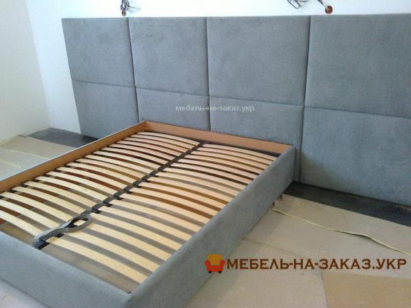 дизайнерская кровать с мягким изголовьем