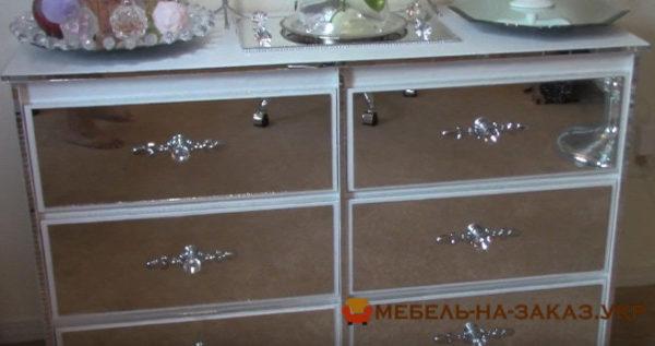 мебель обклеенная зеркалами