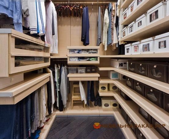 изготовление гардеробных комнат киев