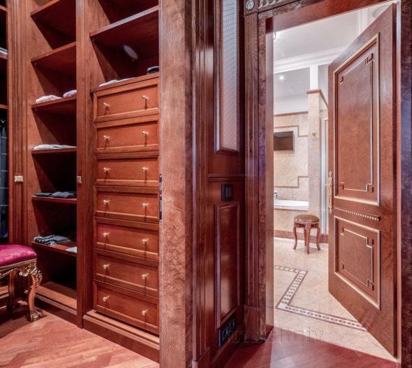 деревянная гардеробная