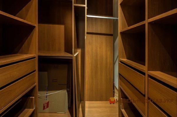 гардеробная в элитной квартире на заказ