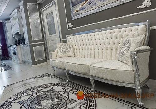 диван прямой  классический в гостиную на заказ