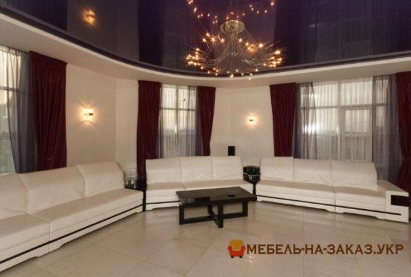 белые прямые диваны в гостиную