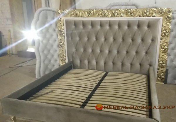 заказная кровать с мягким изголовьем