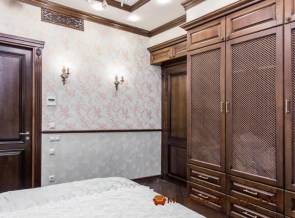 шкаф из дерева в спальню
