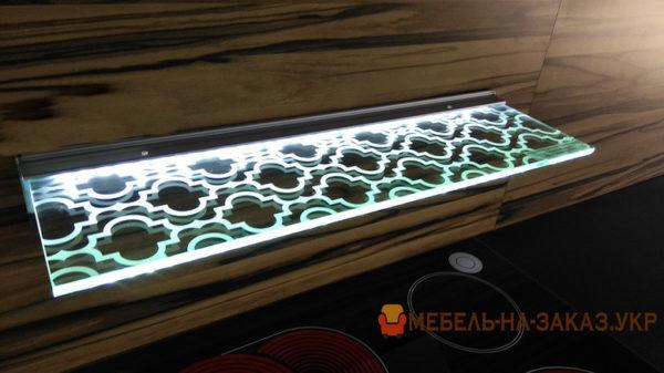 полки с подсветкой в мебели