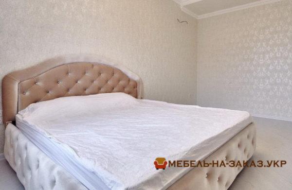 стандартные кровати мягкие