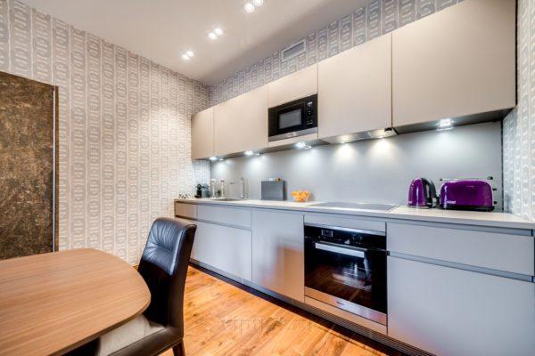 кухня прямой формы