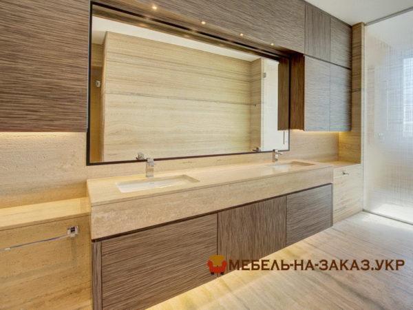 тумба в ванную с деревянными фасадами с подсветкой