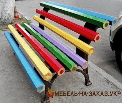 Креативная скамейка в виде карандашей на заказ