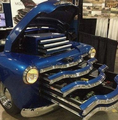 креативная мебель из синего авто