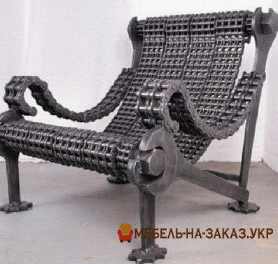 кретивное кресло из цепей