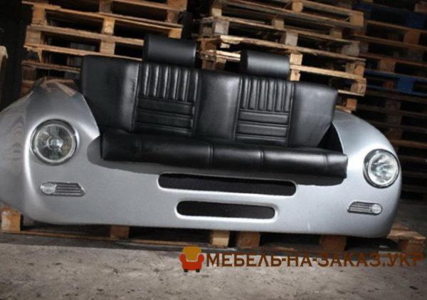 диван из старой машины