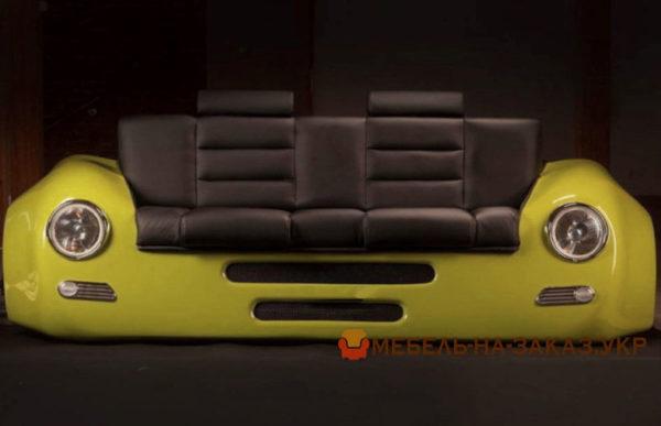 диван из старого автомобиля
