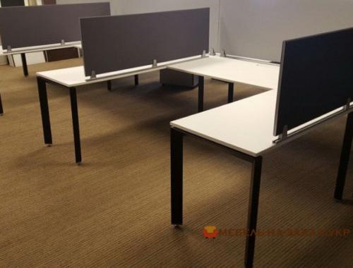 офисная мебель для трех сотрудников