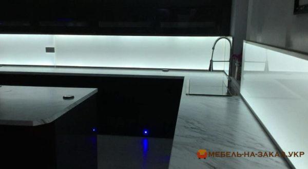 кухня с подсветкой на заказ Житомир